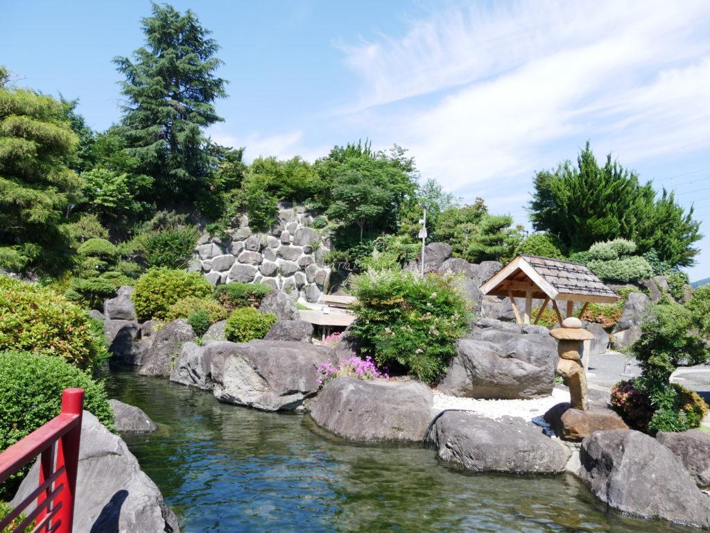 石和温泉郷【ホテル甲子園】夕食部屋出しでお手ごろ価格なのに接客最高過ぎる庭園のある宿をレポ|子連れ旅行ブログ