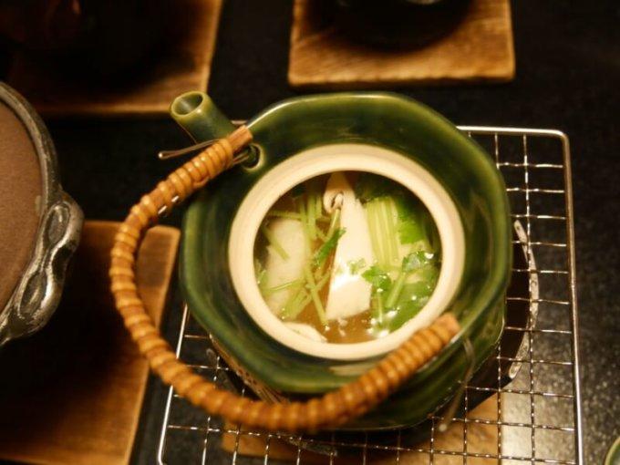 熱川館の夕飯「松茸の土瓶蒸し」