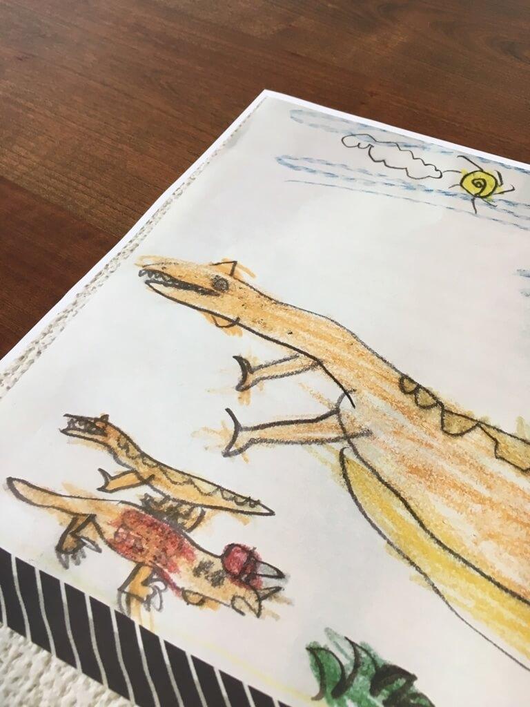 簡単!子供の絵をおしゃれなインテリアに大変身させて飾る「ウッドバーニング」を紹介