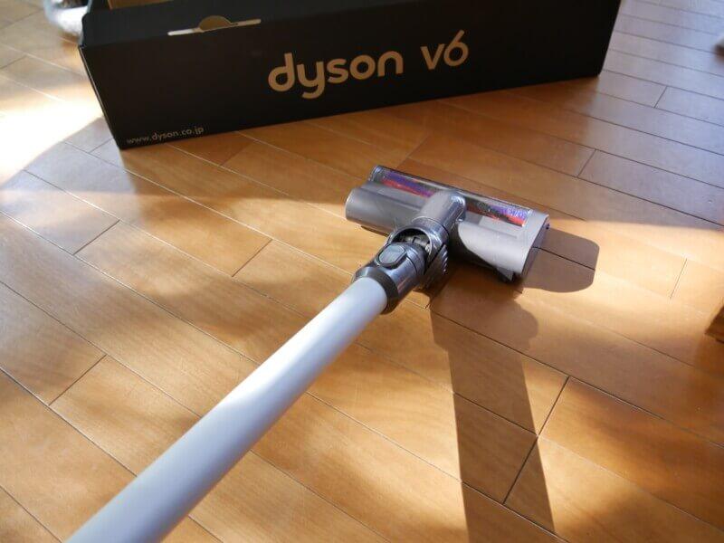 【ダイソンのコードレス掃除機】安いモデルV6スリムを2年半使った感想を口コミレビュー